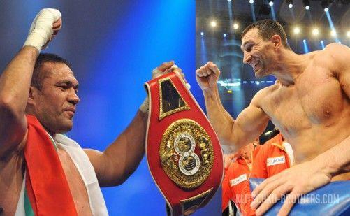 Команда Кличко выиграла торги на право организации боя с Пулевым